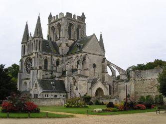 1024px-Saint-Yved_de_Braine_WBl_050930-4372