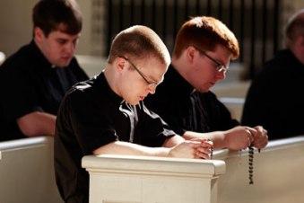 seminarians-praying-rosary-2014